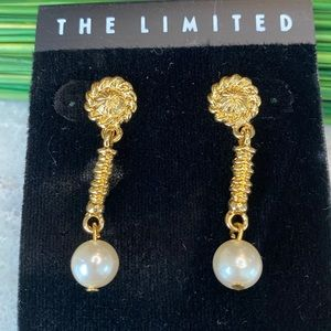 Vintage The Limited Art Round Rope Pearl Earrings